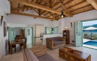 Villa Aquilo - Living Area & Kitchen