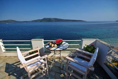 Fishermans Cottage - Veranda View To Peristera Island