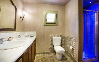 Villa Paparouna - First Floor - Bathroom