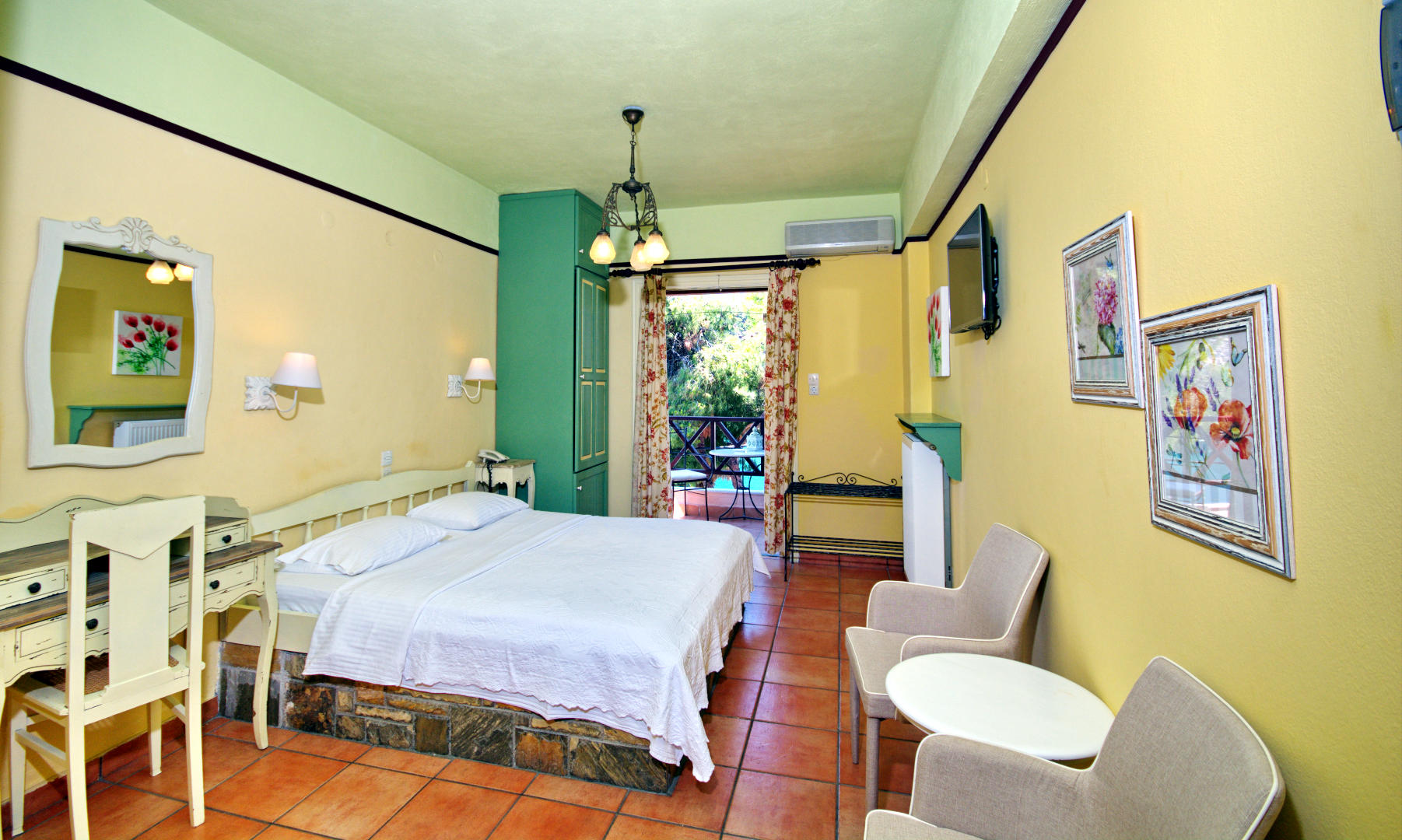 Liadromia Hotel - Rooms For 2